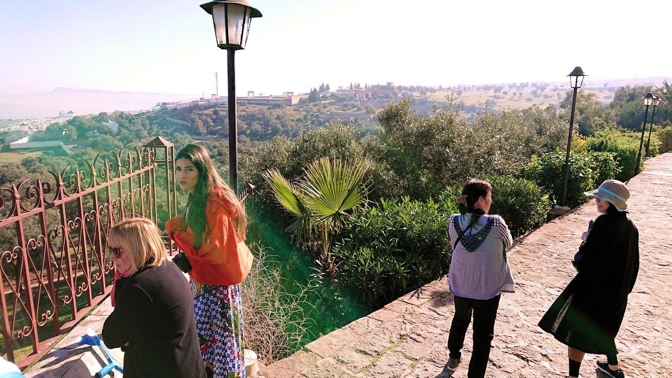 フェズの街を見下ろす高台の南の砦で記念撮影3