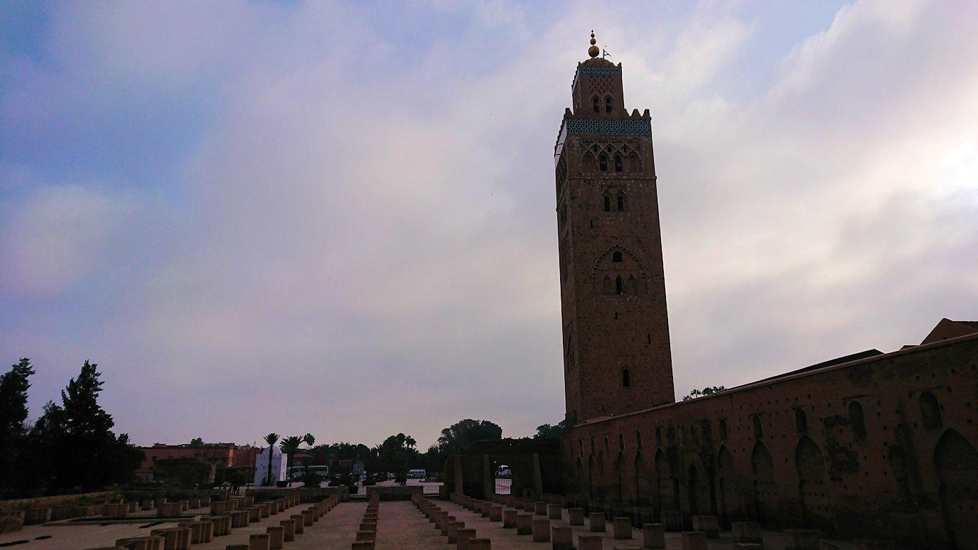モロッコのマラケシュ市内でクトゥビア・モスク付近の様子3
