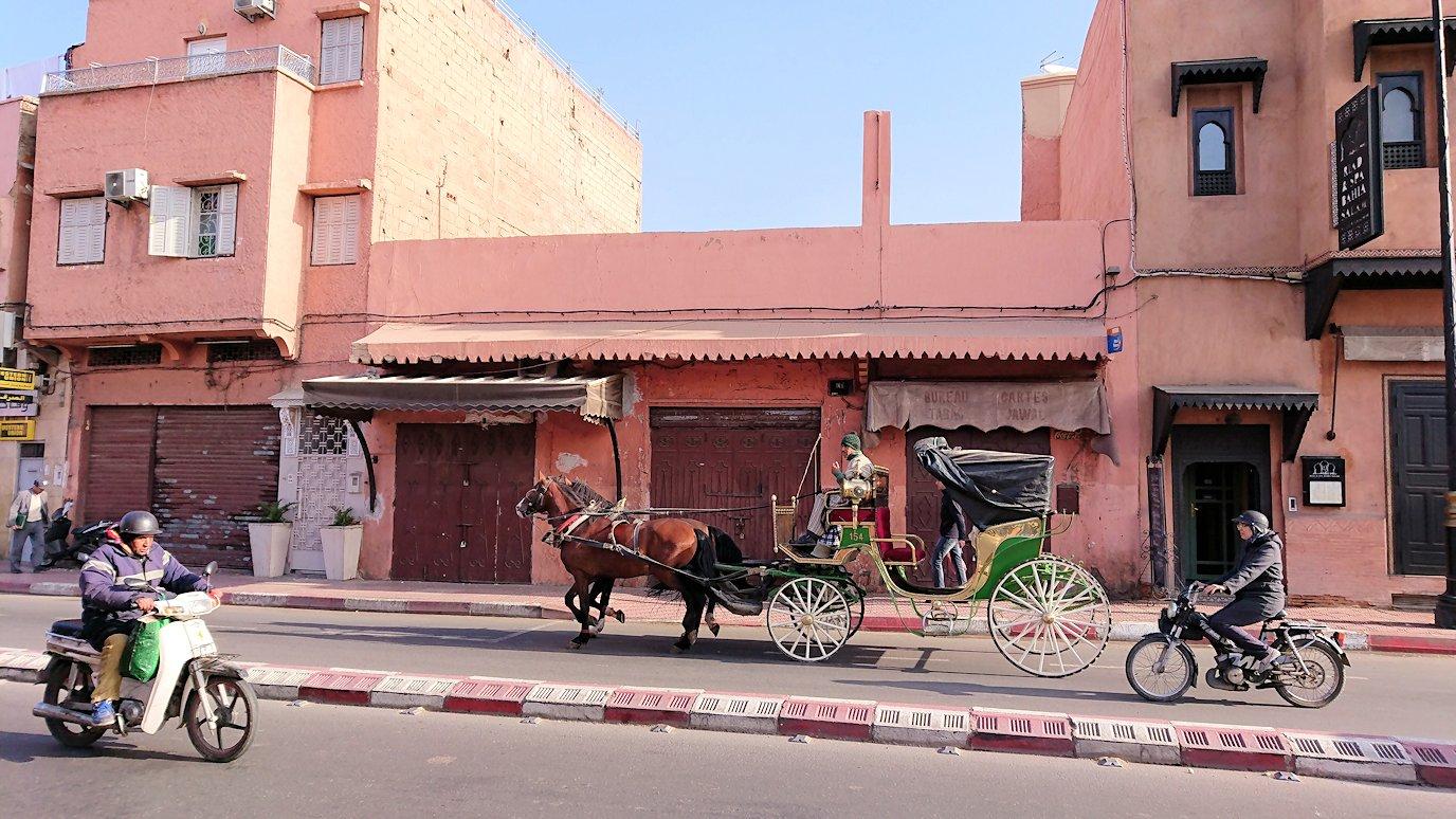 モロッコのマラケシュで旧市街地(メディナ)を歩く5