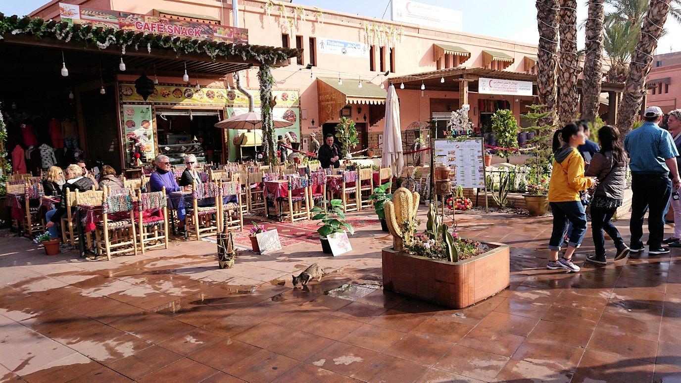 モロッコのマラケシュで旧市街地(メディナ)での雰囲気を3