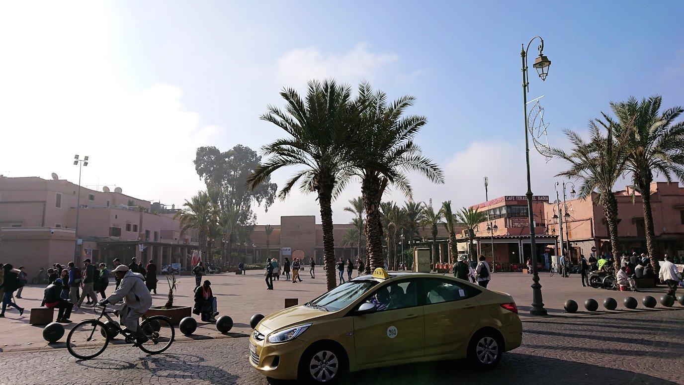 モロッコのマラケシュで旧市街地(メディナ)での雰囲気を7
