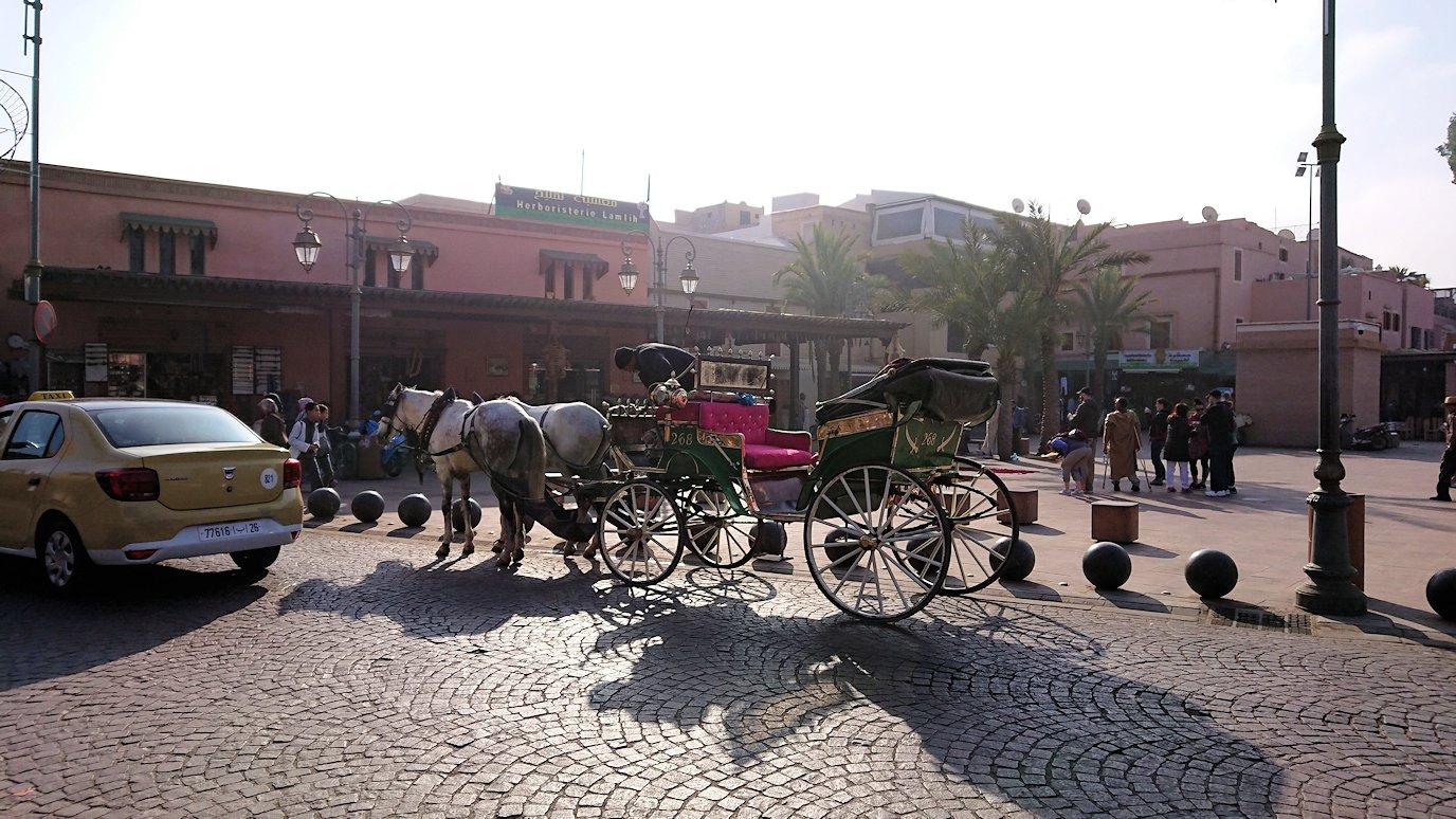 モロッコのマラケシュで旧市街地(メディナ)での雰囲気を9