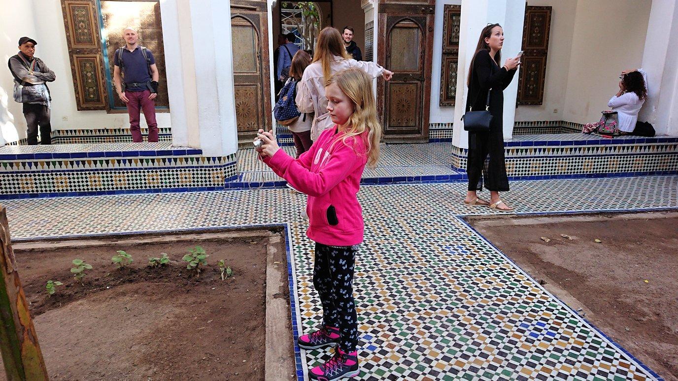 モロッコのマラケシュでバヒア宮殿の中の様子1