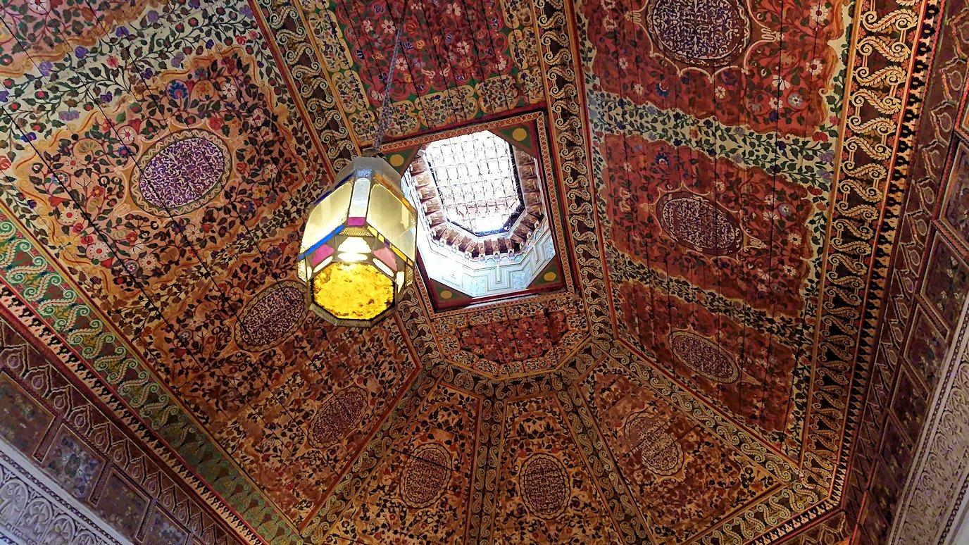 モロッコのマラケシュでバヒア宮殿を楽しく見学