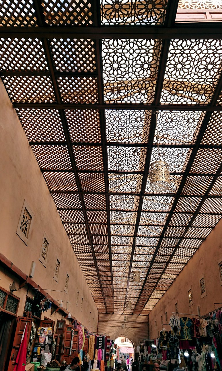 モロッコのマラケシュでバヒア宮殿から次の目的地に移動3