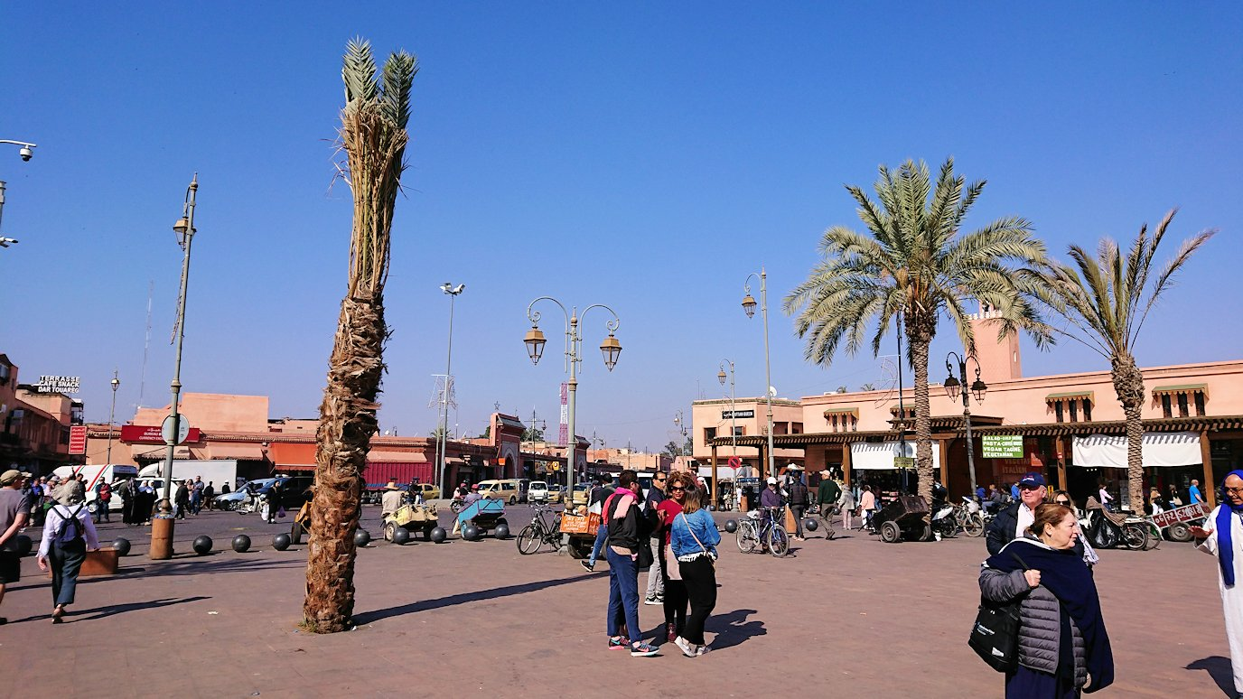 モロッコのマラケシュでバヒア宮殿から次の目的地に移動6