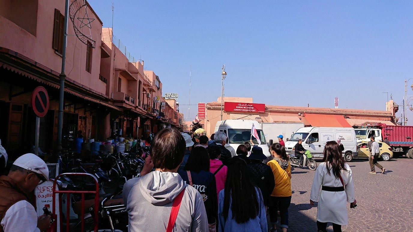 モロッコのマラケシュでバヒア宮殿から次の目的地に移動8