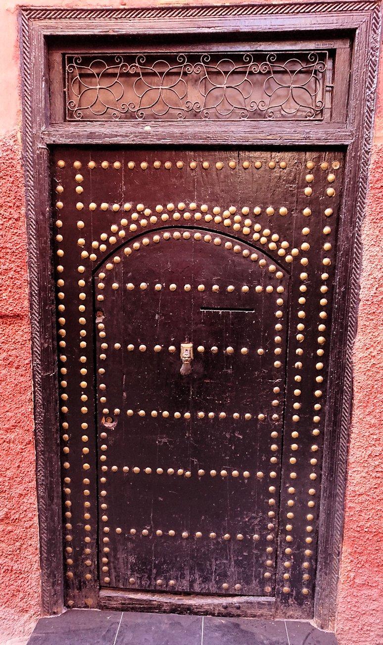 モロッコのマラケシュでバヒア宮殿から次の目的地に移動途中に見かけたもの8