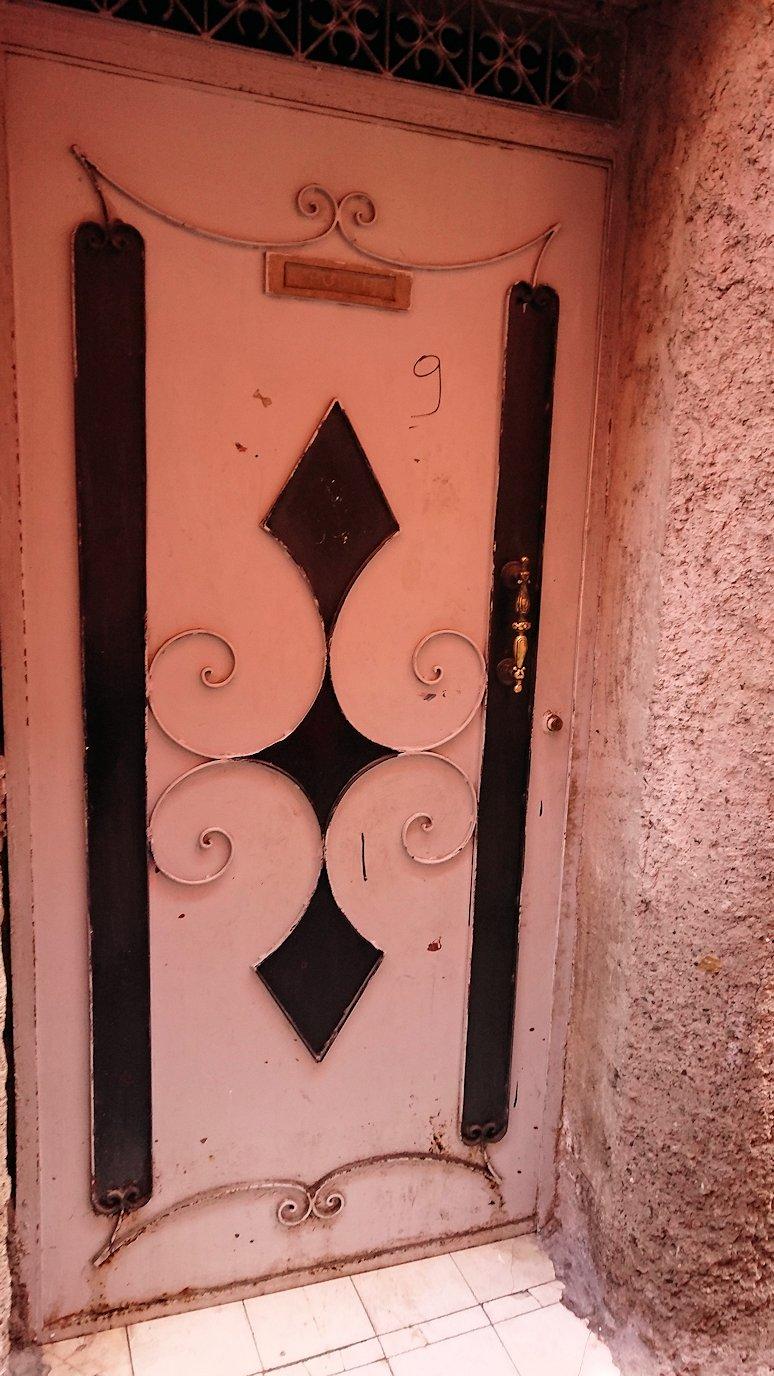 モロッコのマラケシュでバヒア宮殿から次の目的地に移動途中に見かけたもの9