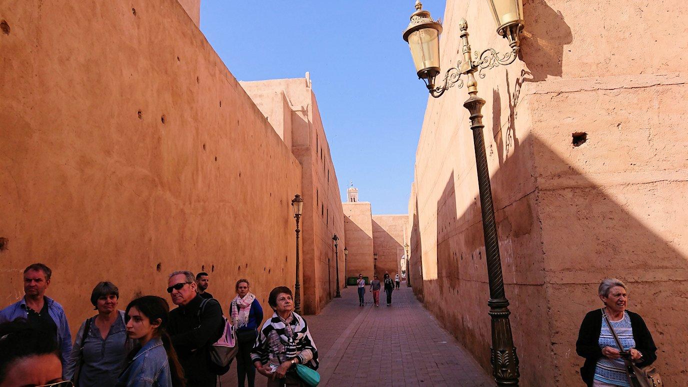 モロッコのマラケシュでバヒア宮殿から次の目的地に移動途中のメディナにて3