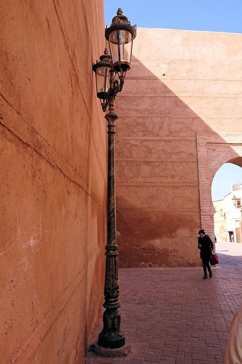 モロッコのマラケシュでアルマンスールモスク付近の様子1