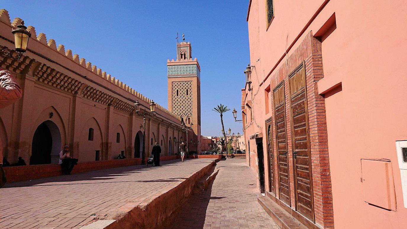 モロッコのマラケシュでアルマンスールモスク付近の様子4