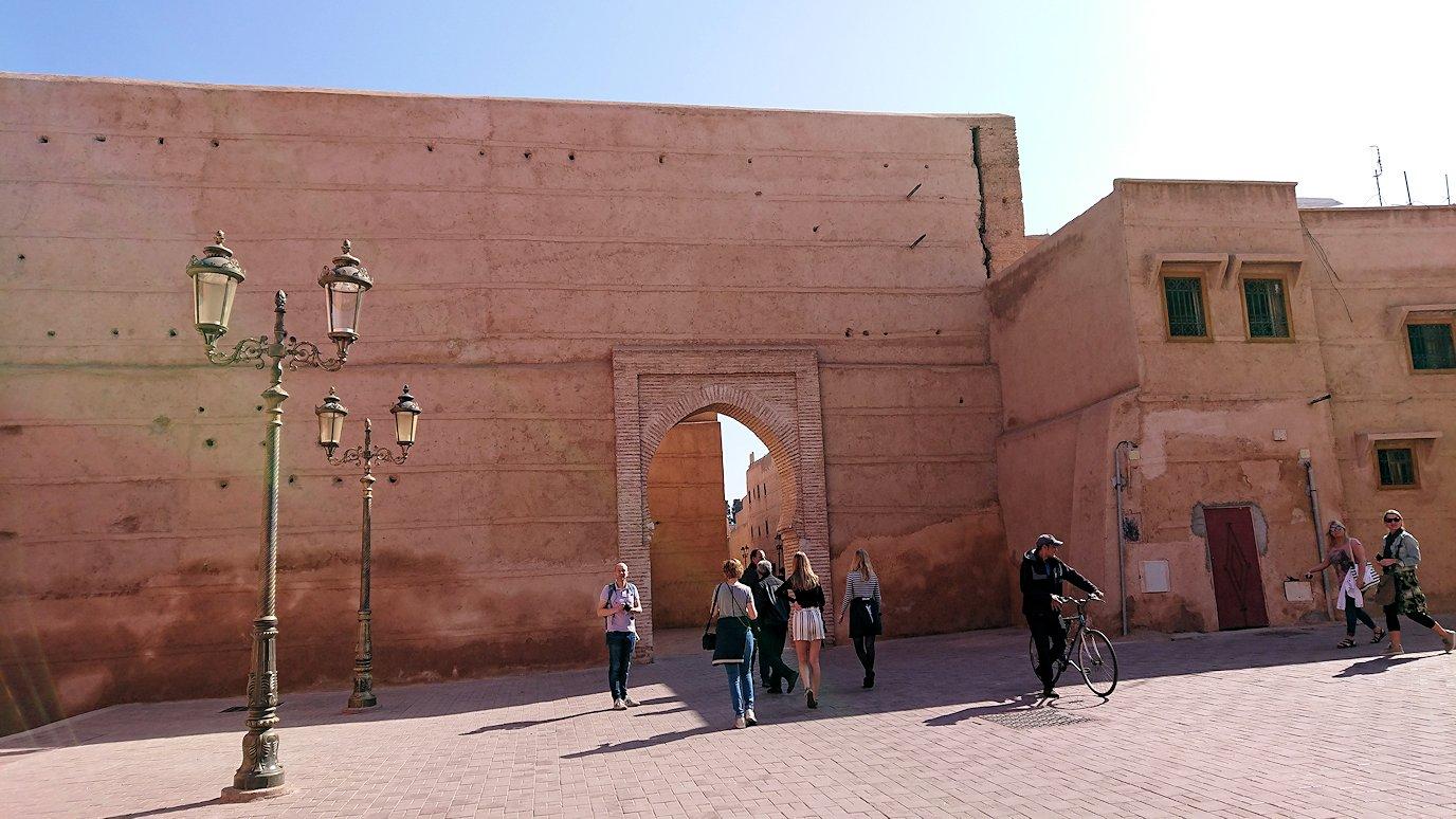モロッコのマラケシュでアルマンスールモスク付近の様子5