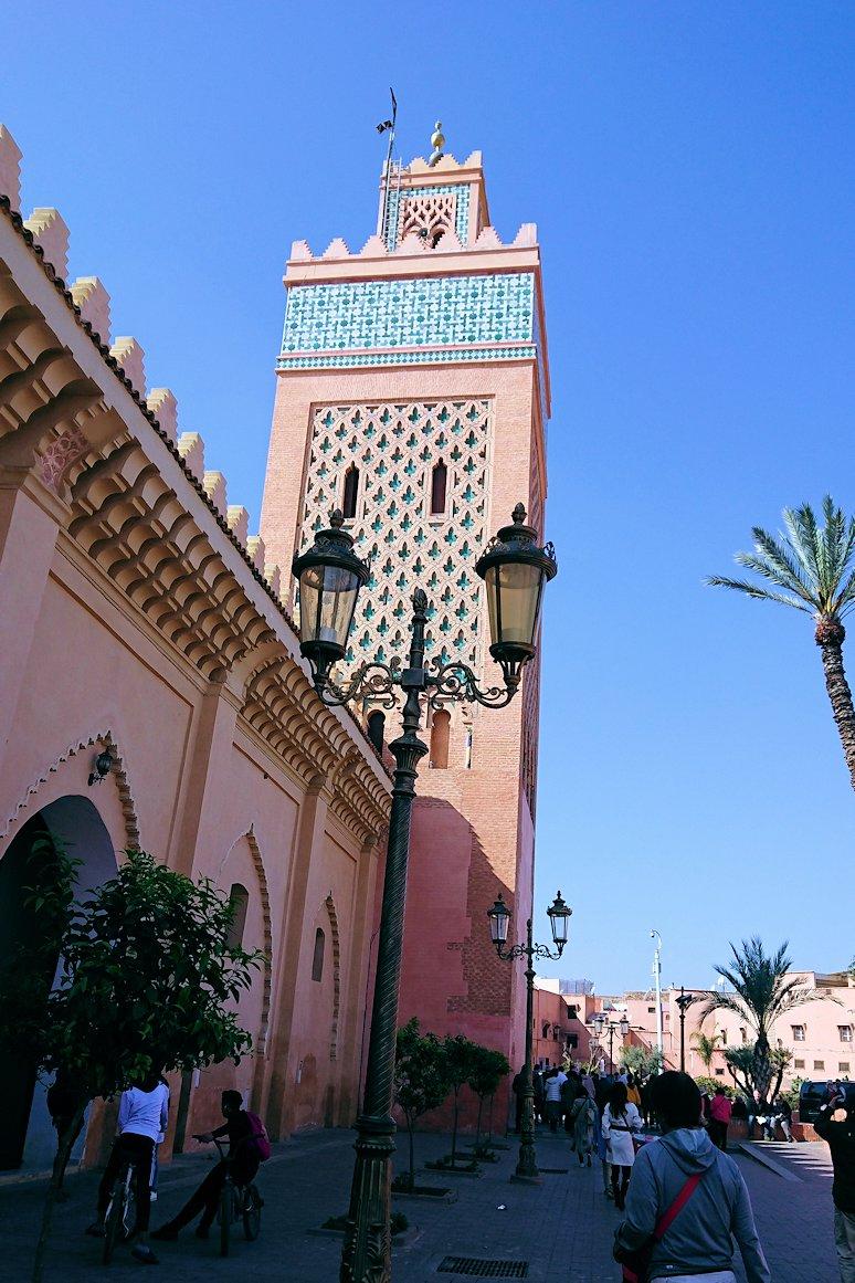 モロッコのマラケシュでアルマンスールモスク付近の様子6