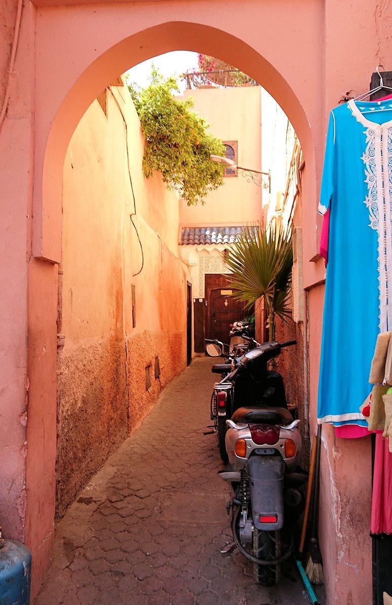 モロッコ・マラケシュのサアード朝近くの総合お土産物店で見つけたものとは8