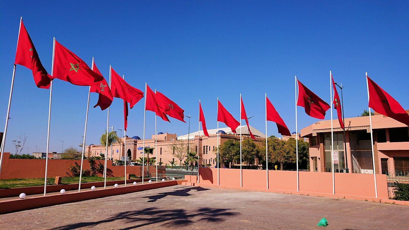 モロッコ・マラケシュでホテル近くのショッピングモールにあるスーパーマーケットの様子6