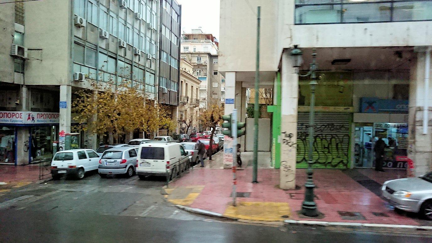 アテネ市内をバスで移動3