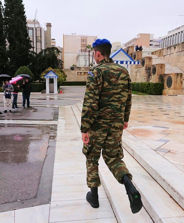 アテネの国会議事堂前の無名戦士の墓4