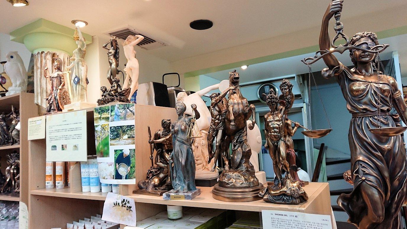 アテネ市内のお土産物屋さんを訪問する7