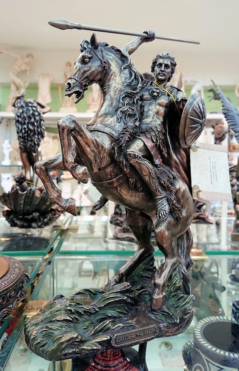 アテネ市内のお土産物屋さんの店内の様子2