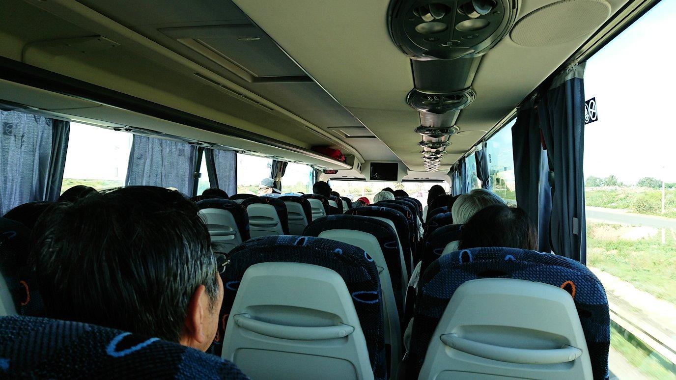 カサブランカ空港を出てバスに乗り込み市街地に向かう7