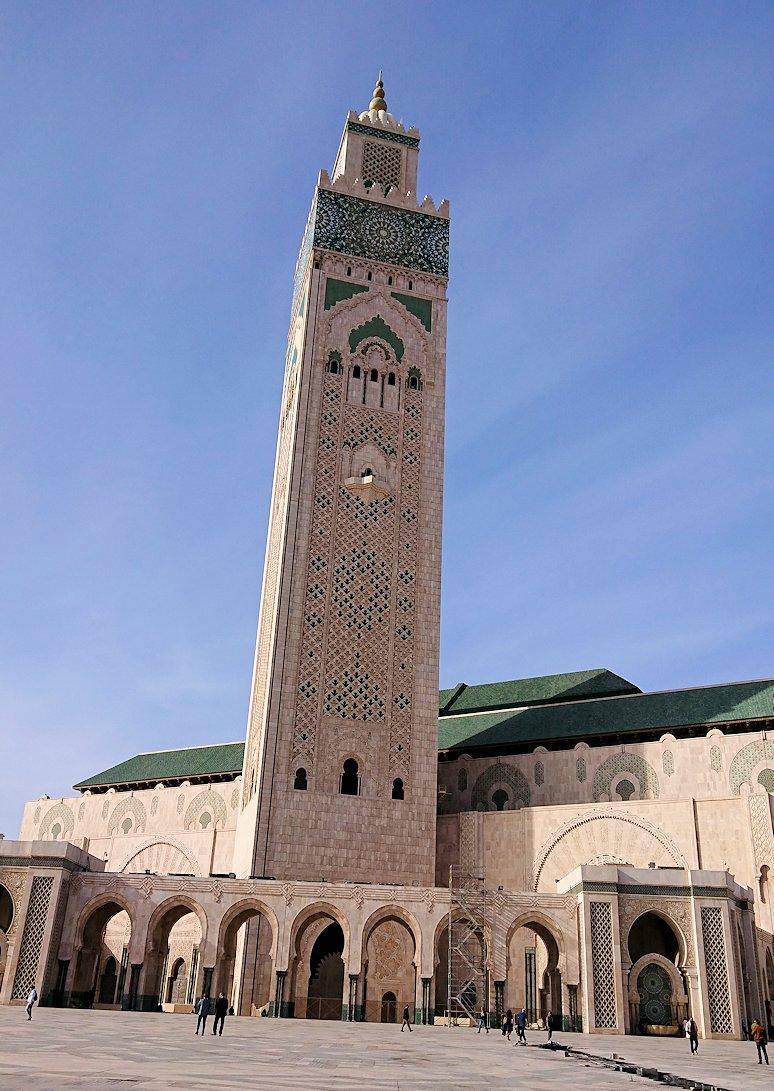 カサブランカのハッサン2世モスクに到着して写真を撮る5