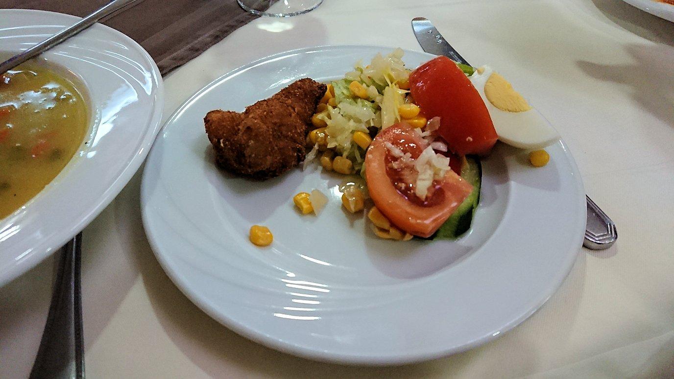 ラバトのホテルで夕食を頂きます6