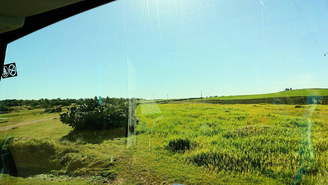 バスでラバトからシャウエンに向かう途中の風景2