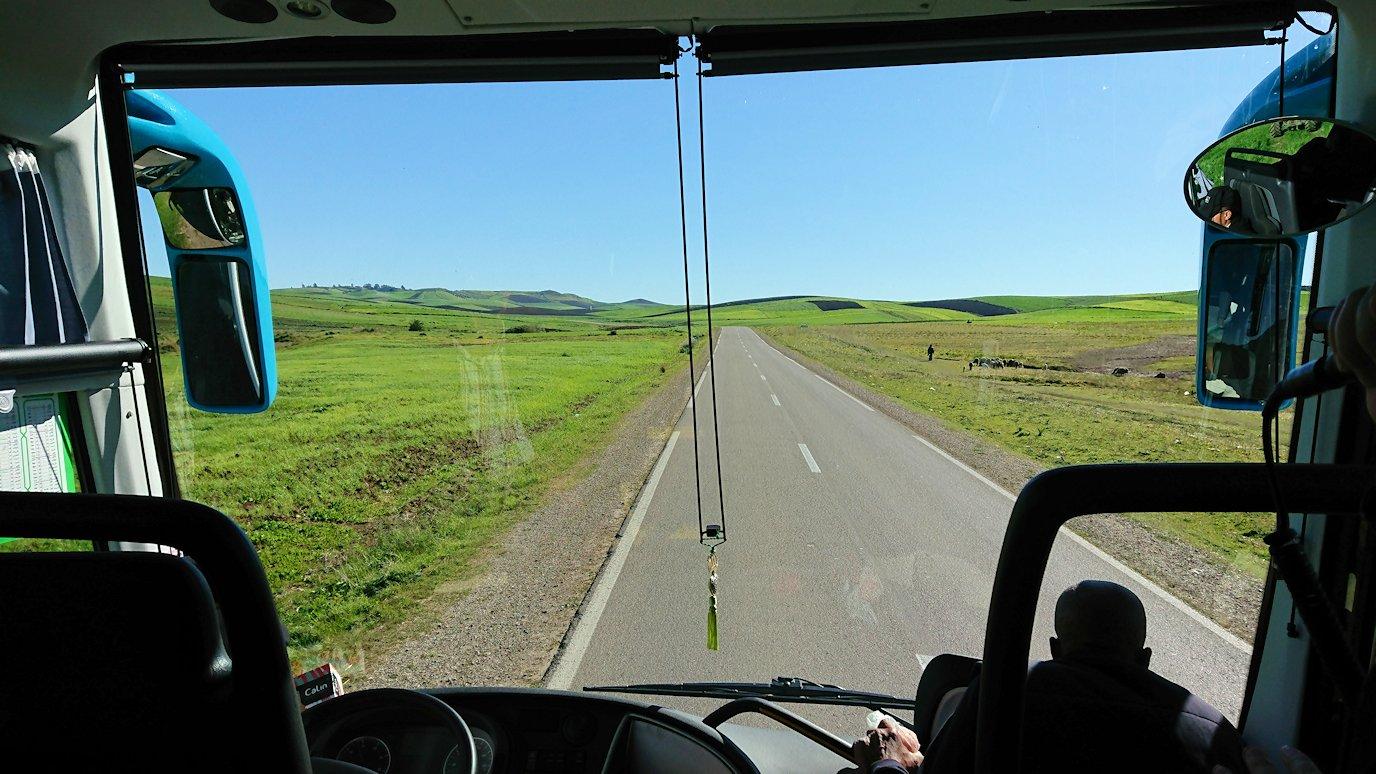 バスでラバトからシャウエンに向かう途中の風景3