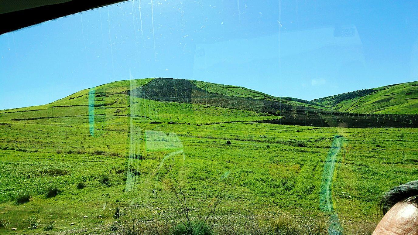 バスでラバトからシャウエンに向かう途中の風景4