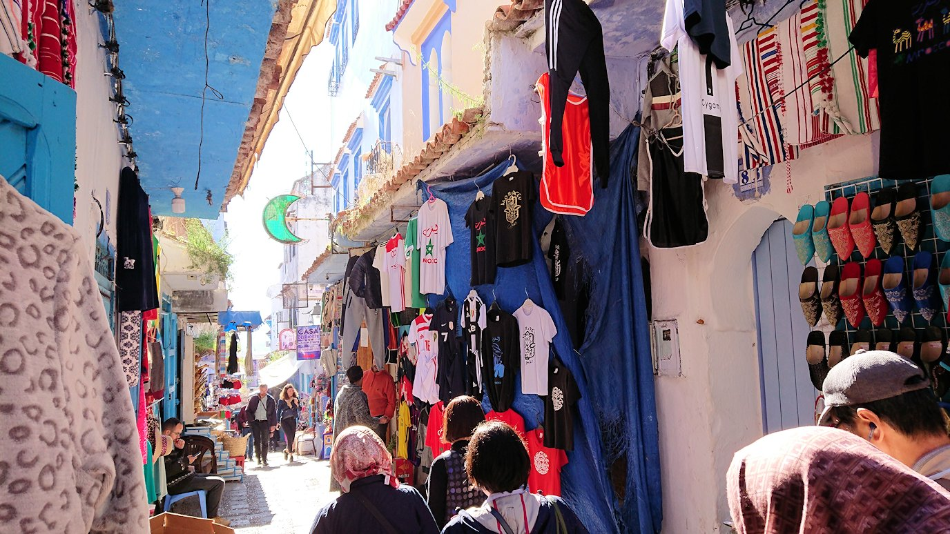 モロッコのシャウエンの街で観光が終了し戻る1