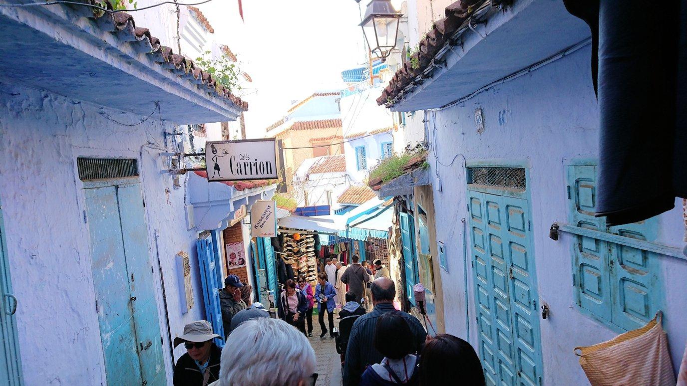 モロッコのシャウエンの街で観光が終了し戻る5