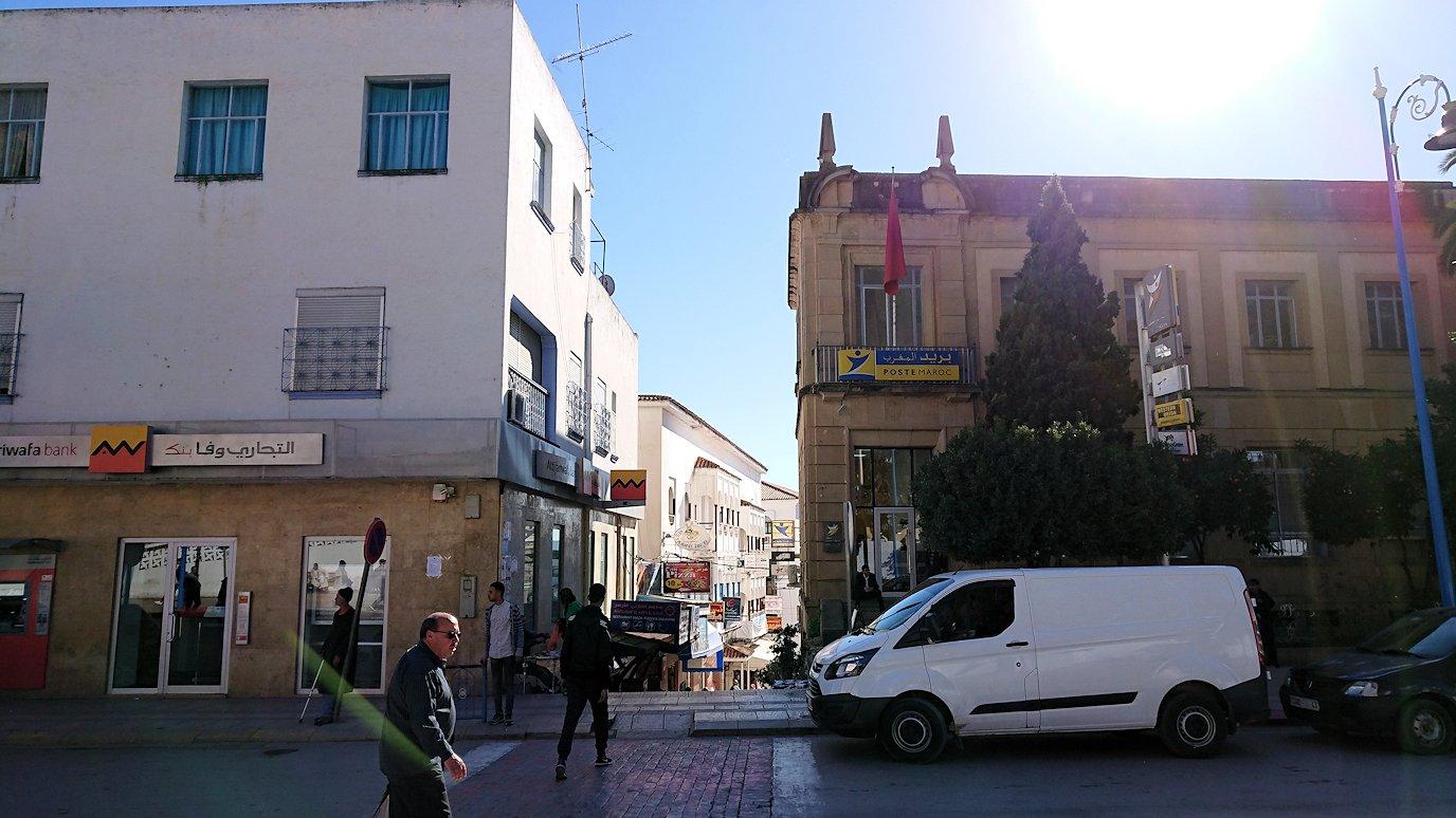 モロッコのシャウエンの街で観光が終了し戻る9