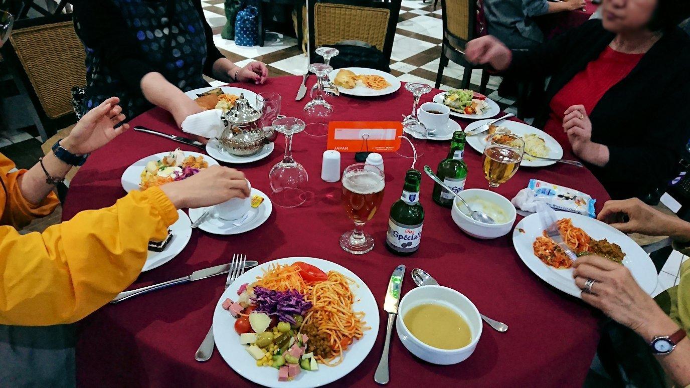 フェズのザラー・パーク・パレスホテルのレストラン会場の様子8