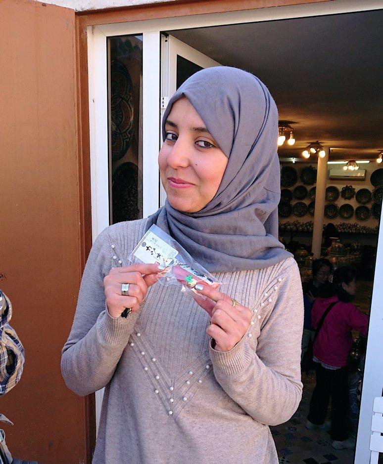 モロッコでチップ代わりに寿司キーホルダーをプレゼントした相手3