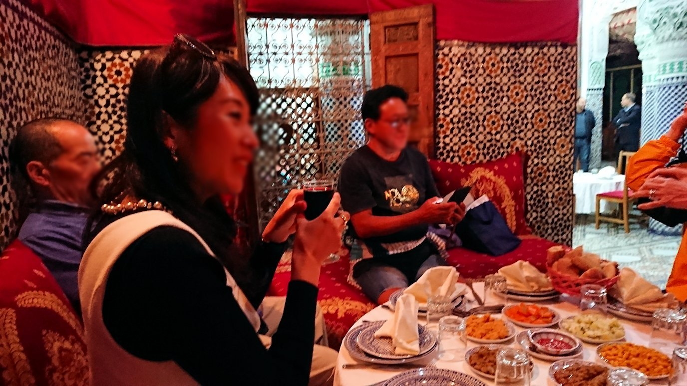 フェズのメディナ(旧市街地)の昼食会場にて