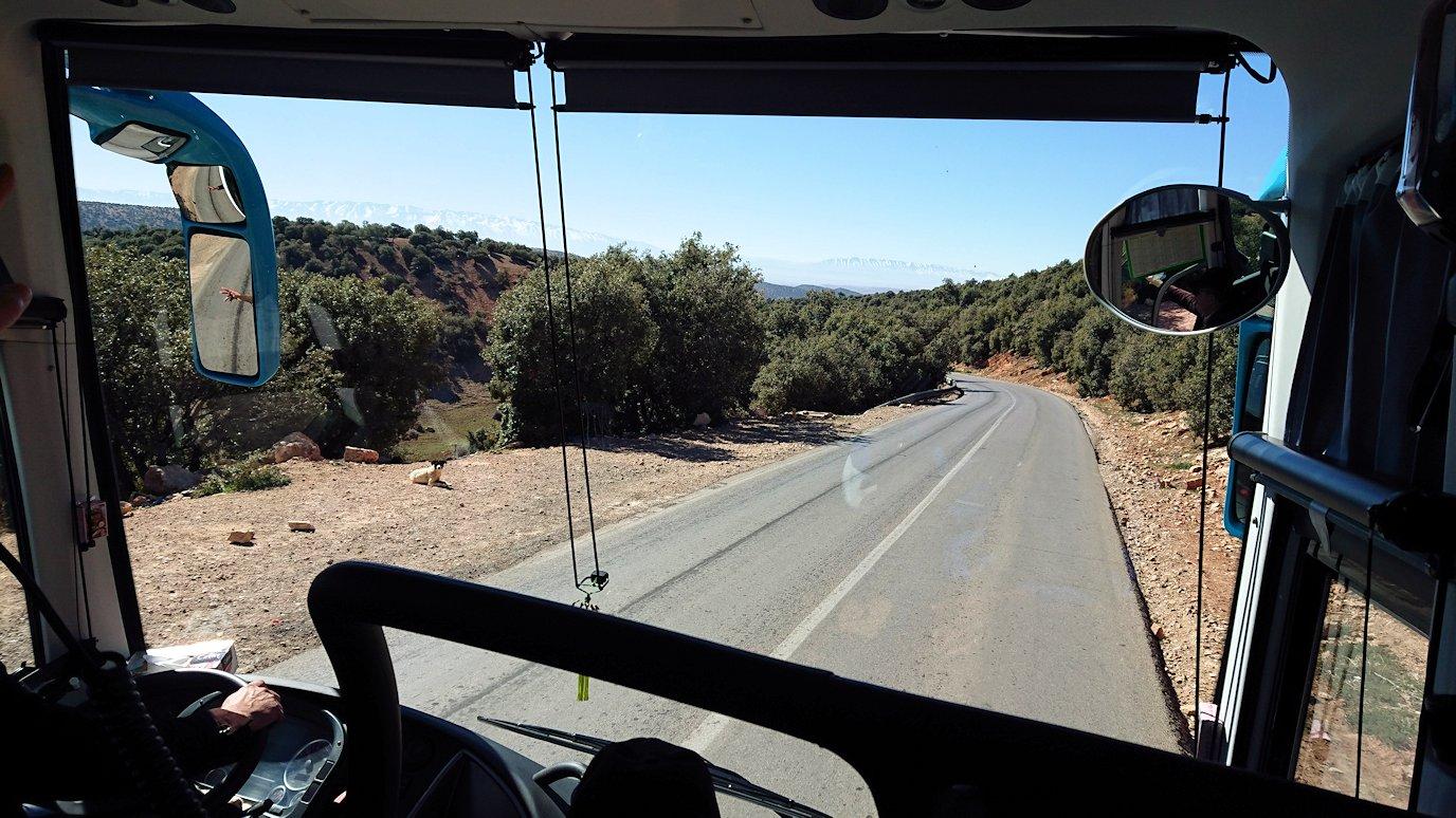 モロッコのミデルトに向かう途中の様子