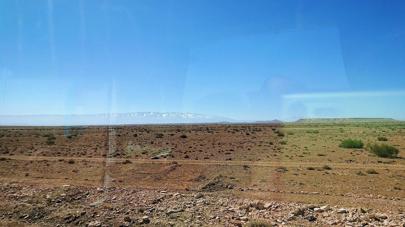モロッコのミデルトに向かう途中の様子4