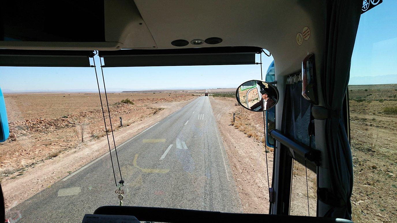 モロッコのミデルトに向かう途中の様子5