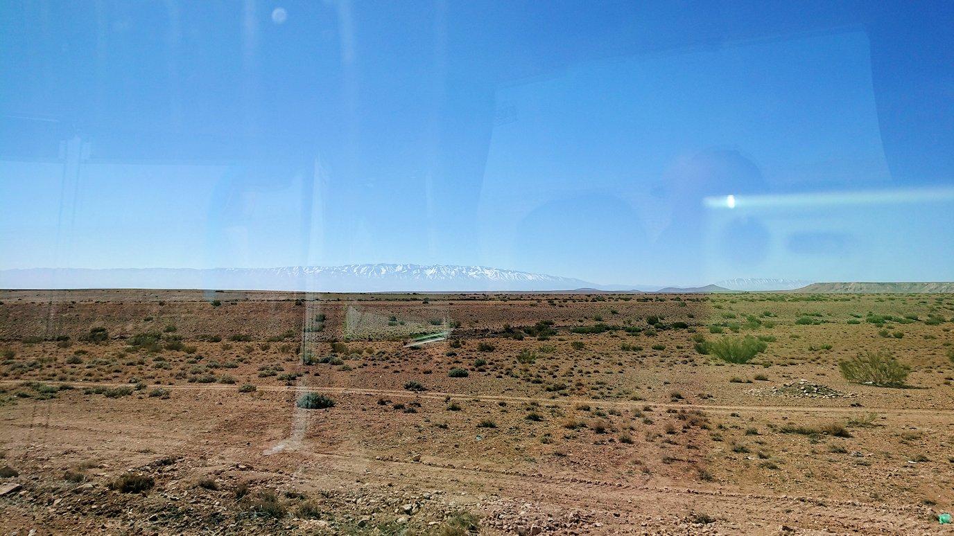 モロッコのミデルトに向かう途中の様子6