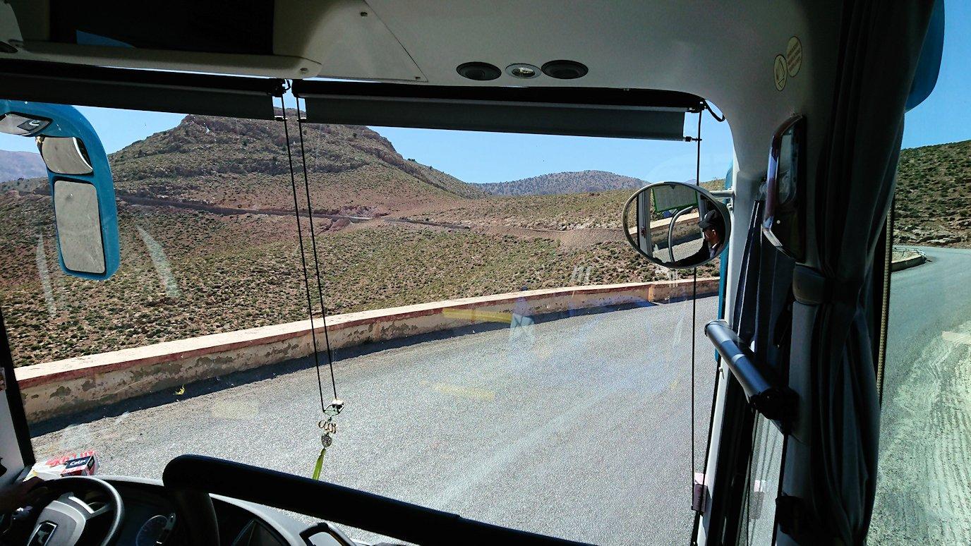 モロッコのミデルトからズイズ渓谷に移動する10