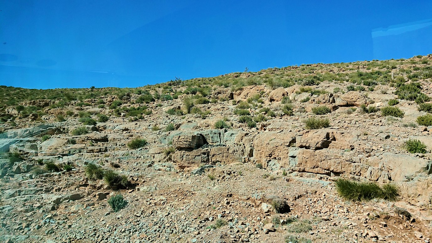 モロッコのミデルトからズイズ渓谷に移動する1