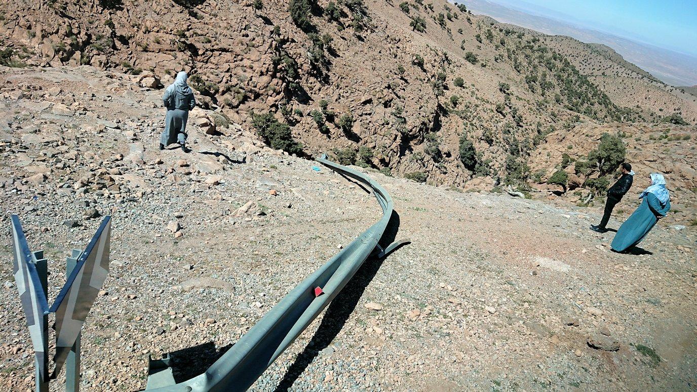モロッコのミデルトからズイズ渓谷に移動する3