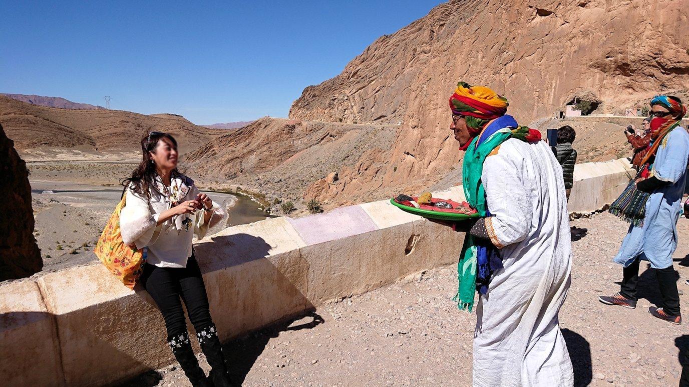 モロッコのミデルトからズイズ渓谷に到着3