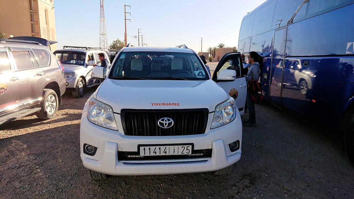モロッコのエルフードで4WD車に乗り換え3