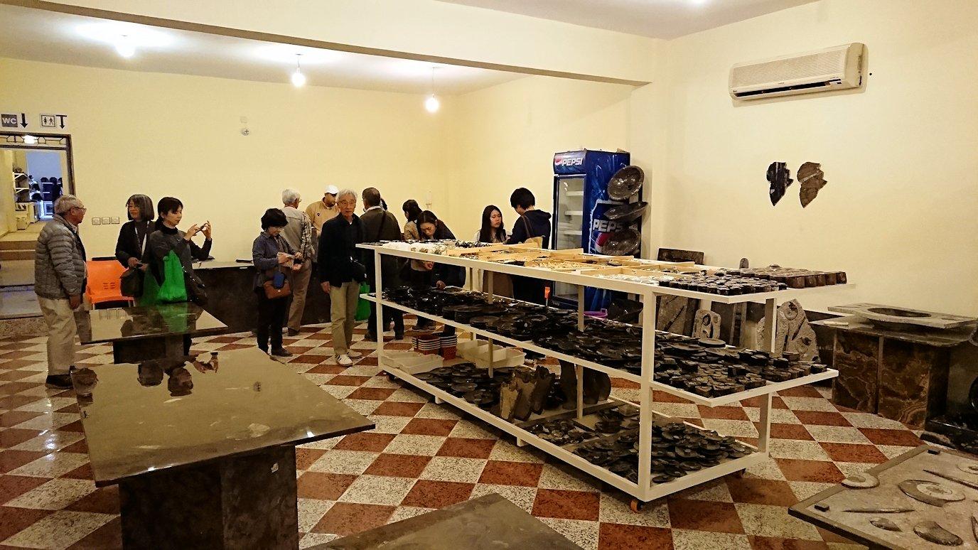 モロッコのエルフードで化石のお土産物屋さんの化石3