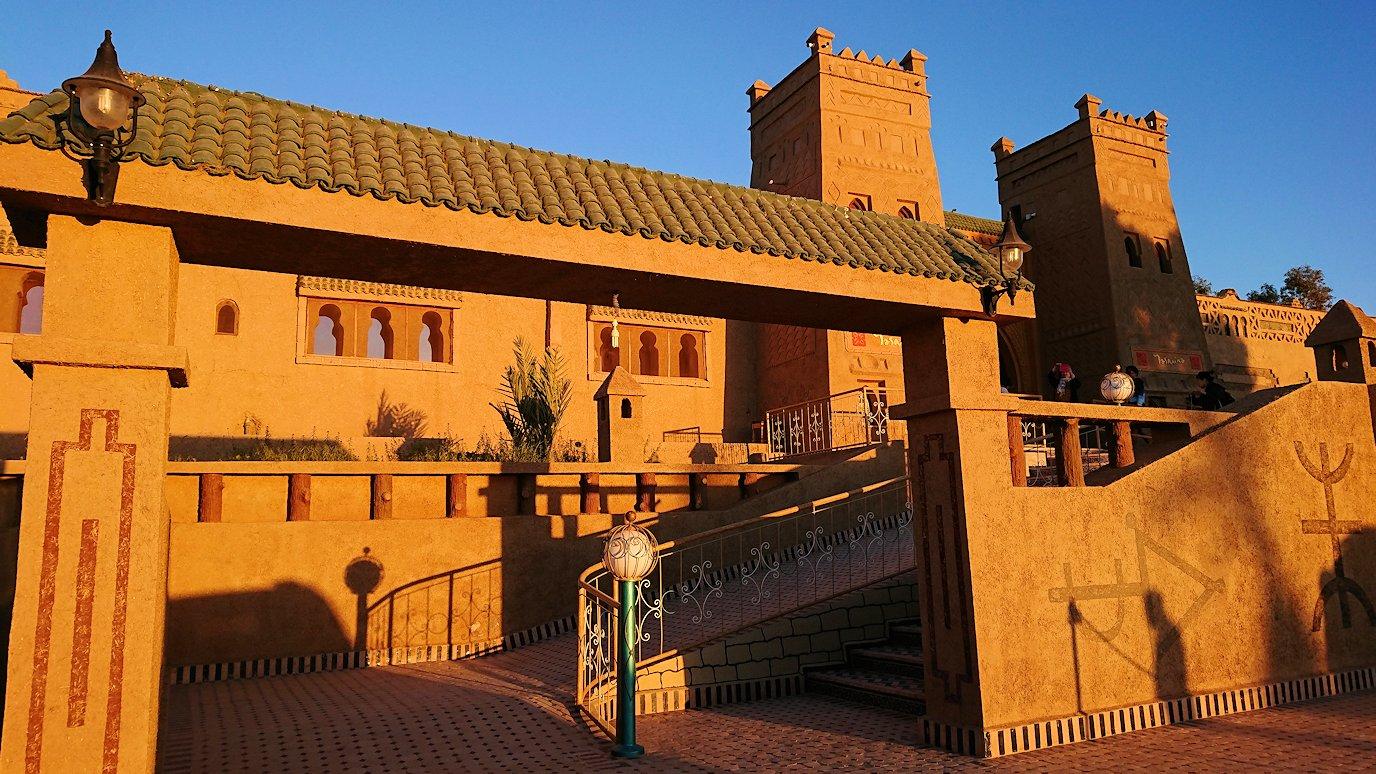 モロッコのメルズーガにて砂漠のホテルに到着5