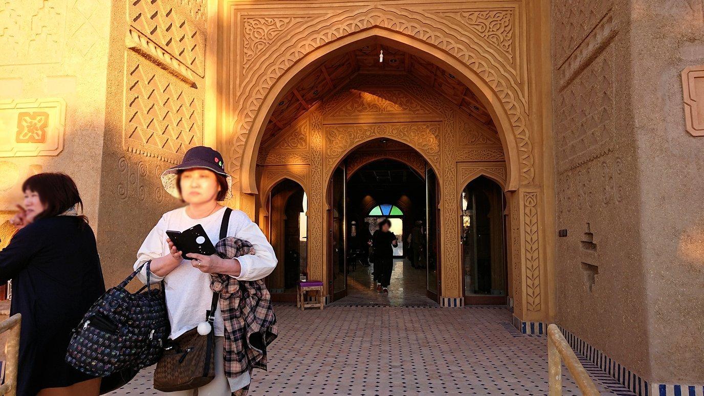 モロッコのメルズーガにて砂漠のホテルに到着9