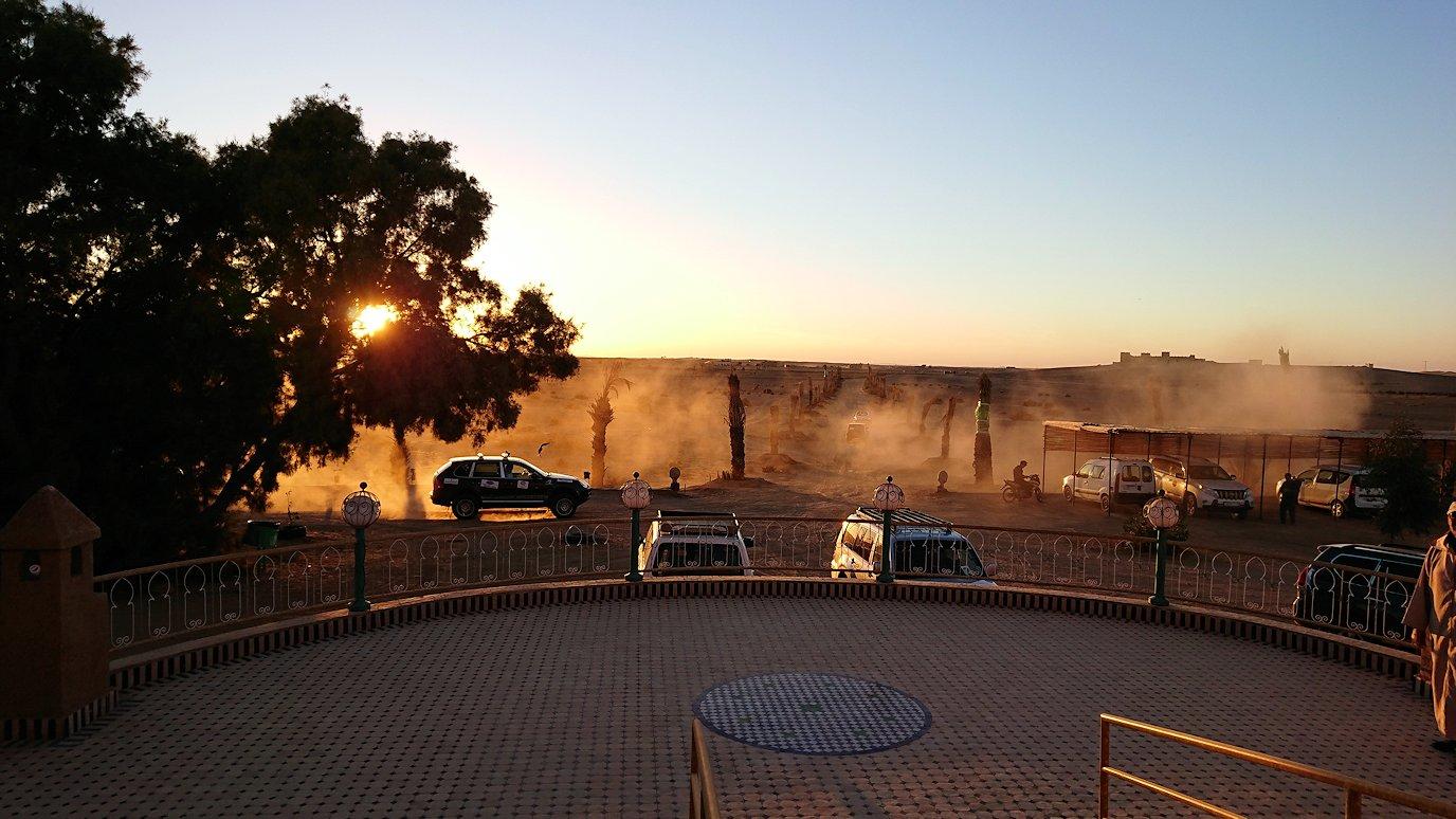 モロッコのメルズーガの砂漠ホテルの様子1