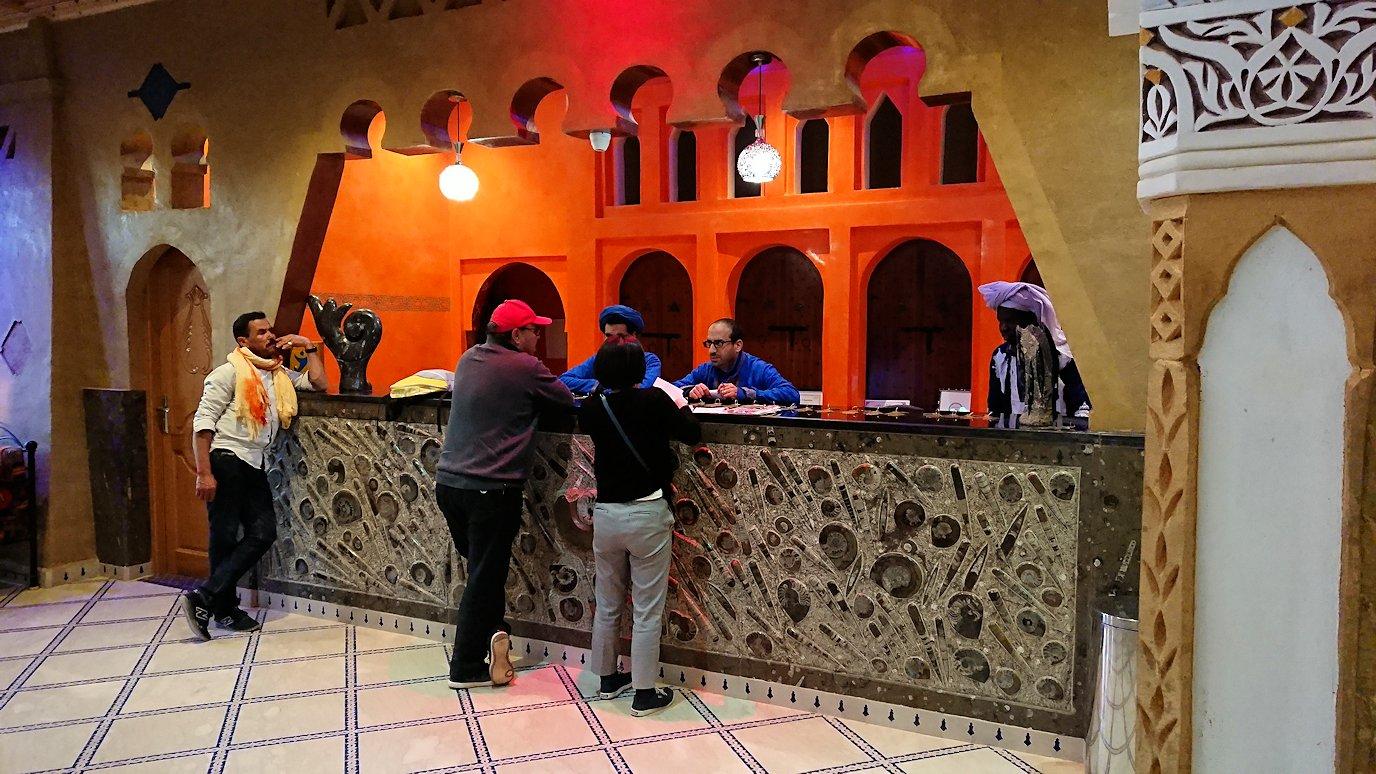 モロッコのメルズーガの砂漠ホテルの様子4